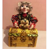 Баба Яга с сундуком (18 шт. в ящ.)
